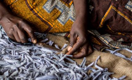 Kibébé empowers refugees and poor Malawians